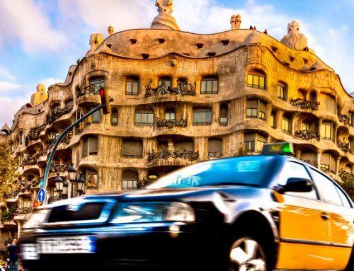 Un ladrón menor asalta a un taxista en Barcelona
