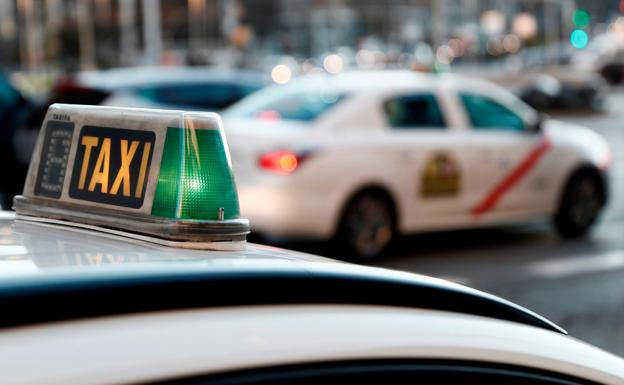 Propina un puñetazo a un taxista de Albolote en pleno estado de alarma para robarle el monedero