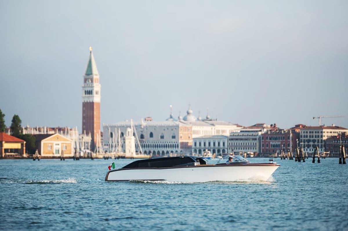 En los trayectos largos navegará cargando las baterías para usar en el interior de la ciudad
