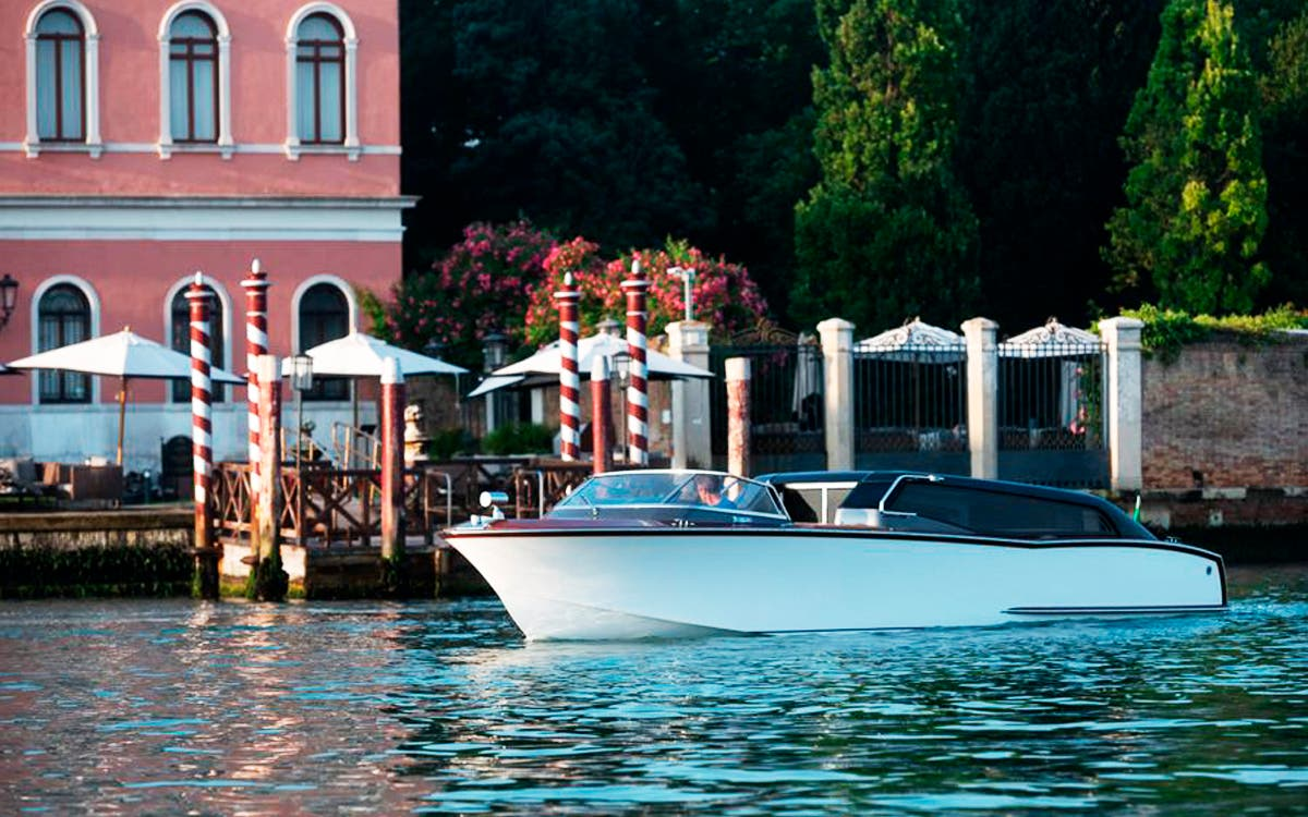 Thunder, un taxi híbrido de lujo para Venecia.