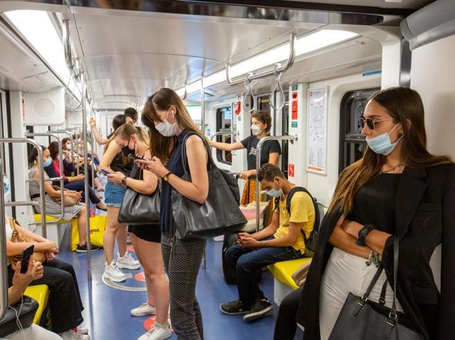 Coronavirus, en vehículos sin distancias.  Obligación de las máscaras hasta mediados de septiembre.